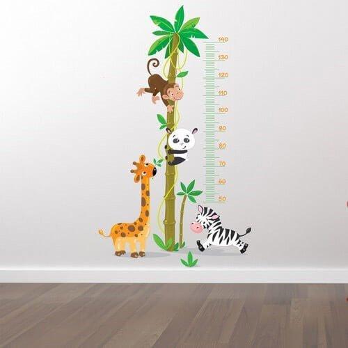 Längdmätare med apor, giraff, zebra Tryckt väggdekor